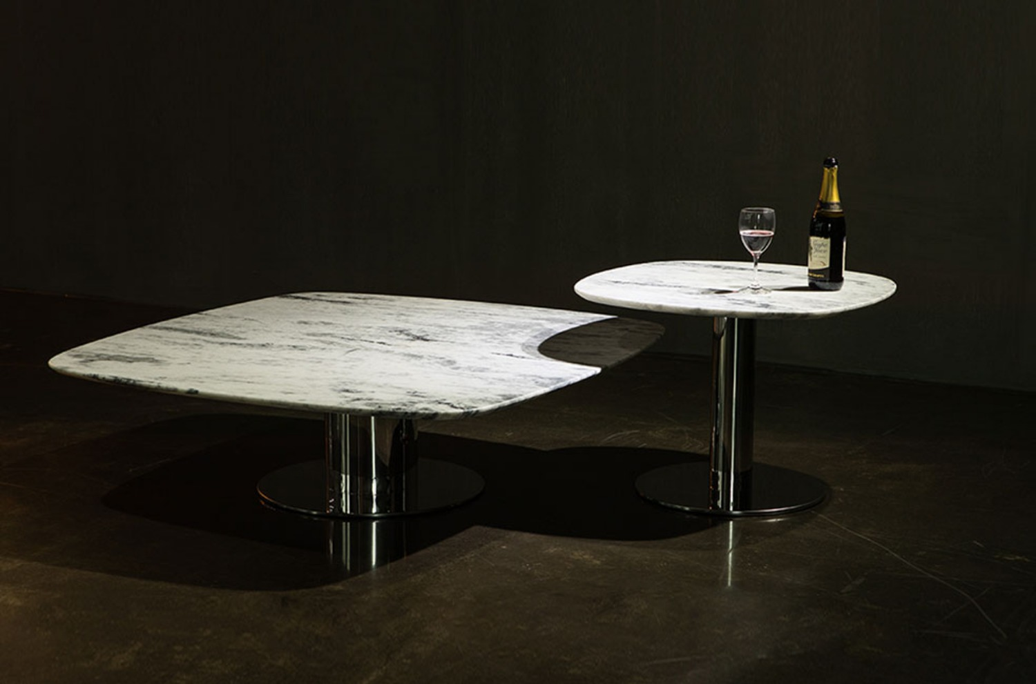 Fusion White Mable Table (set)